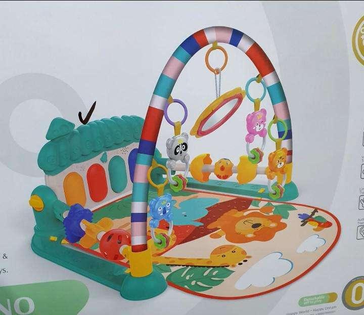 Gimnasio de Bebé con piano + Accesorios - 1