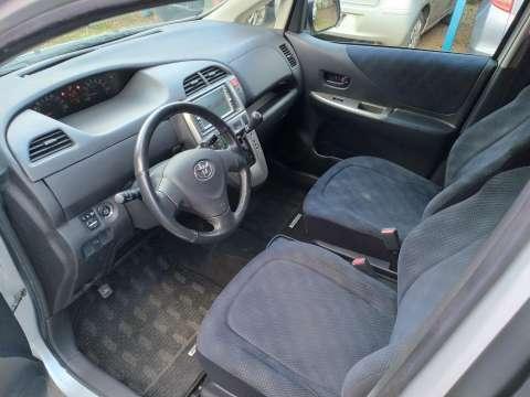 Toyota Ractis 2005 - 8