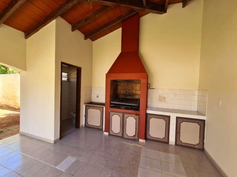 Alquilo casa en Lambaré Barrio Valle Apu'a - 4