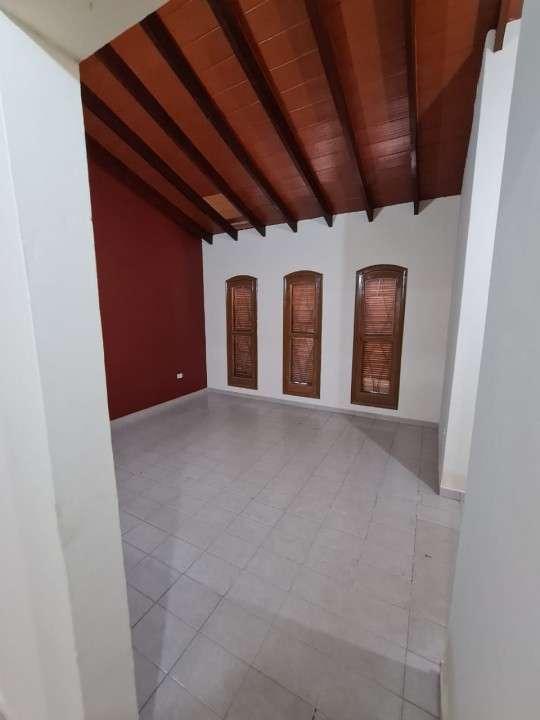 Alquilo casa en Lambaré Barrio Valle Apu'a - 7