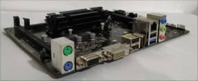 Asrock Q1900M + Intel Quad-Core J1900 + 4Gb DDR3