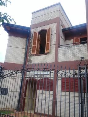 Casa de 2 plantas en Ñemby