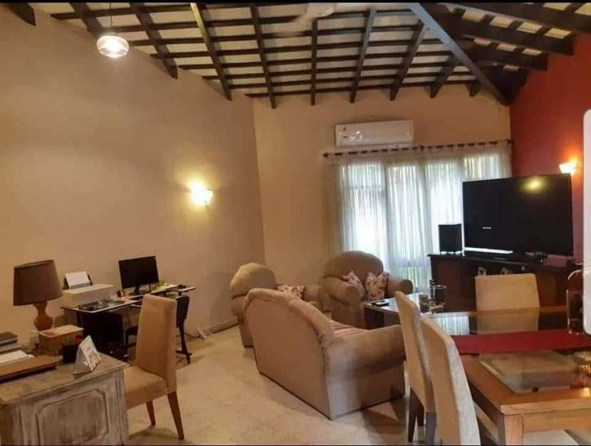 Casa en barrio Ycua Sati - 6