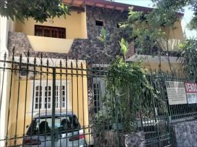 Casa sobre la Av. Félix Bogado