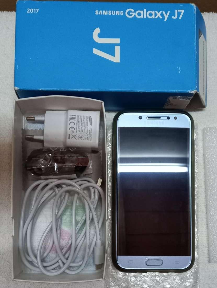 Samsung Galaxy J7 - 1