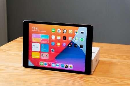 iPad 8va generación 32 gb - 0