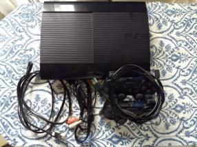 PS3 de 500 gb con 2 controles + 2 juegos