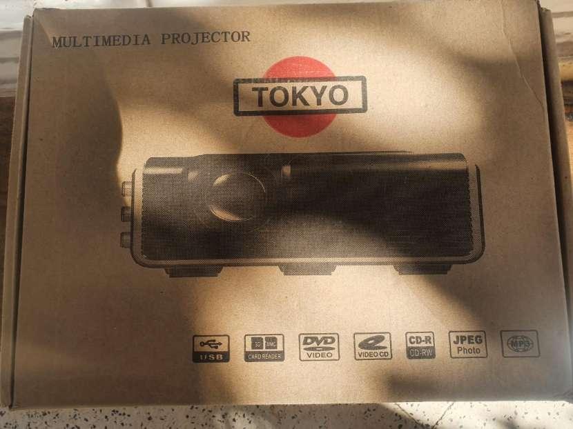 Proyector Tokyo - 2