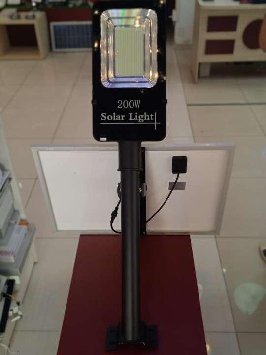 Alumbrado público solar LED 200W - 1