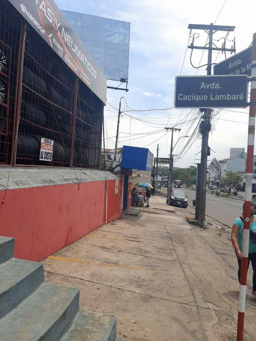 Propiedad en esquina de Lambaré - 0
