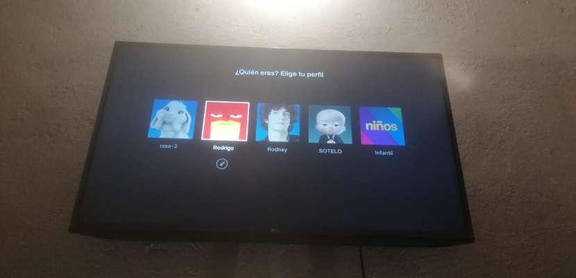 TV LG de 43 pulgadas - 2
