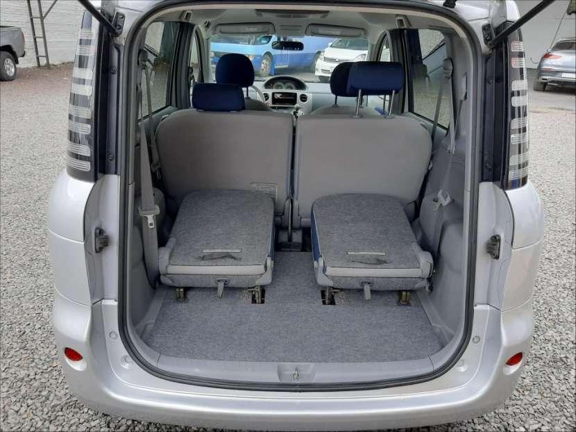 Toyota Sienta - 3