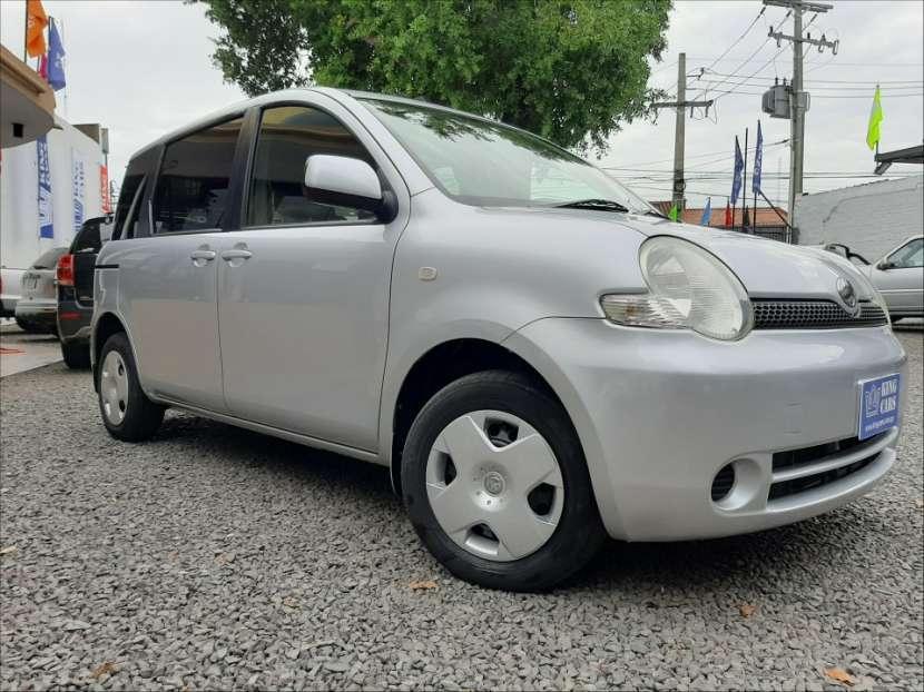 Toyota Sienta - 0