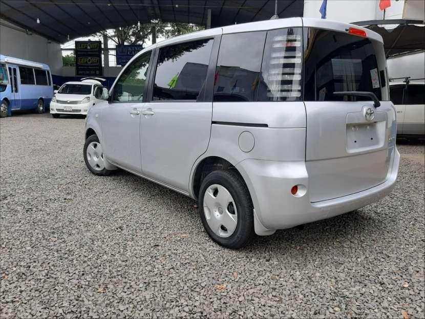 Toyota Sienta - 2