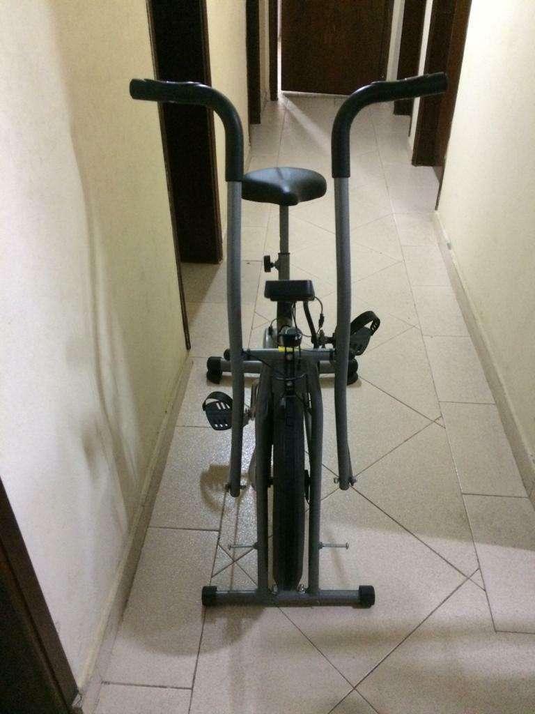 Bicicleta Estática - 2
