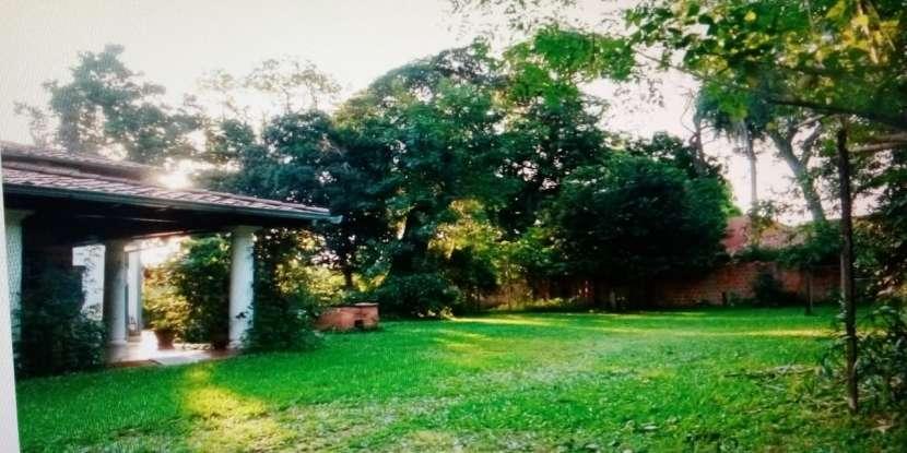 Casa quinta en Fernando de la Mora zona Norte - 1