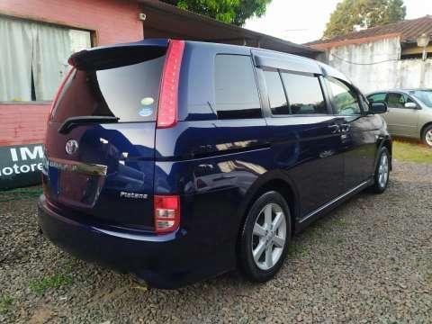 Toyota Isis Platana 2005 - 5