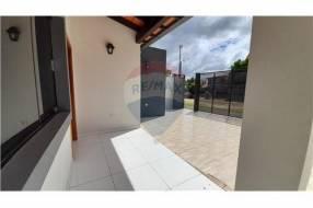 Dúplex a estrenar 3 dormitorios con patio en Lambaré