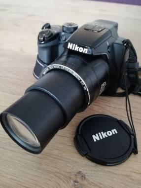 Cámara semi profesional Nikon Coolpix P100 con filmadora HD