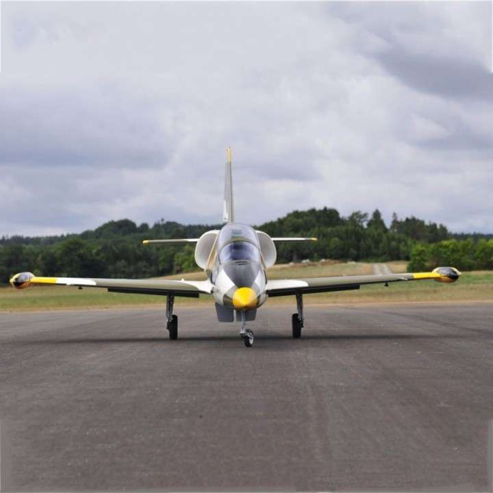 Avión Jet Legend L-39 gray control remoto - 2