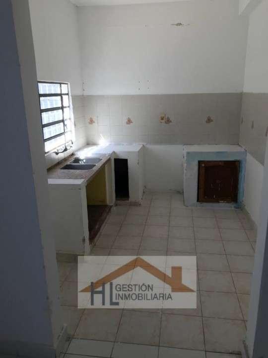 Tinglado con oficinas en Barrio Ycuá Satí Asunción - 6