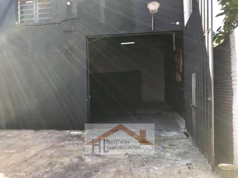Tinglado con oficinas en Barrio Ycuá Satí Asunción - 3