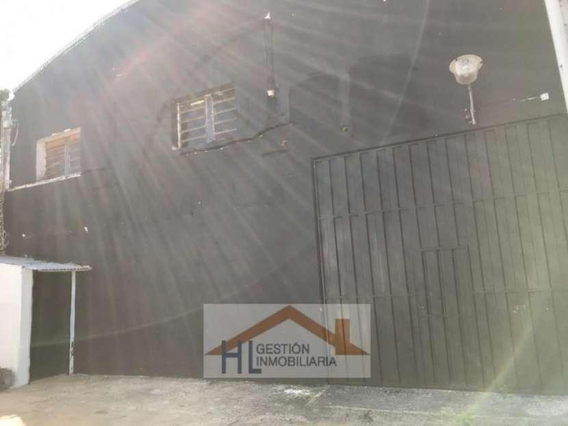 Tinglado con oficinas en Barrio Ycuá Satí Asunción - 2