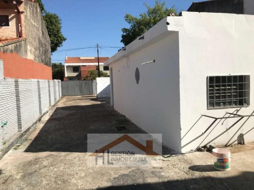 Tinglado con oficinas en Barrio Ycuá Satí Asunción - 1