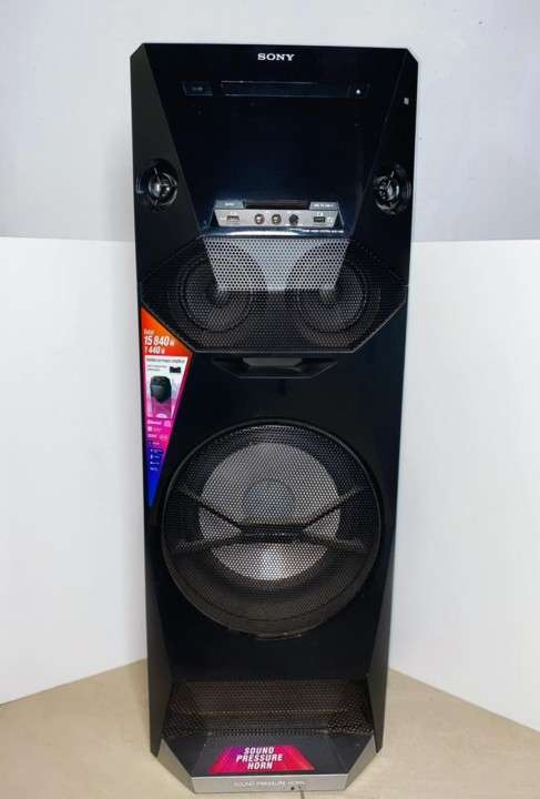 Parlante Sony V6 - 3