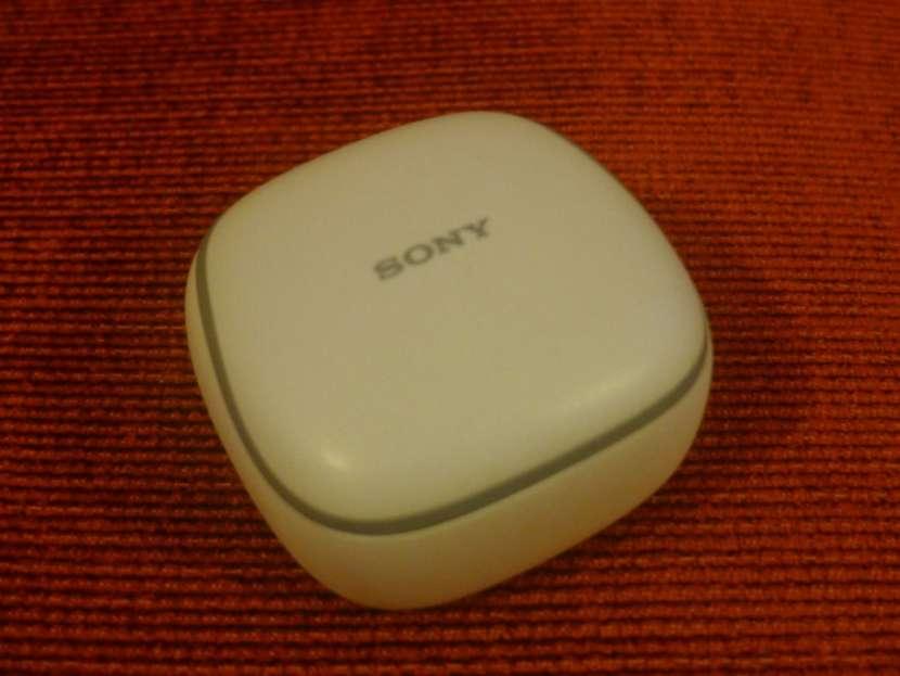 Auicular Sony WF-SP700NL bluetooth con estuche de carga - 1