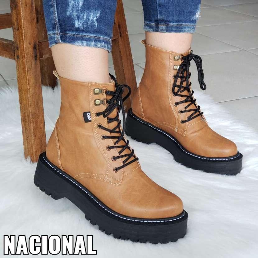 Botas de cuero nacional - 0