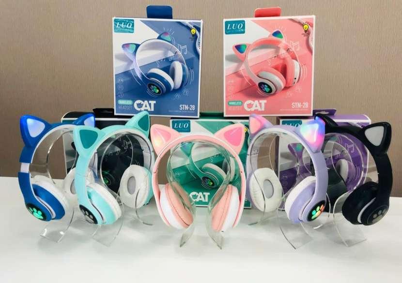 Auriculares inalámbricos de gatito Luo - 0