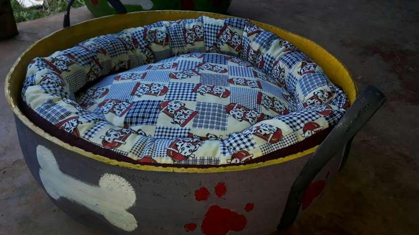 Cama para mascotas reciclada de cubierta - 10