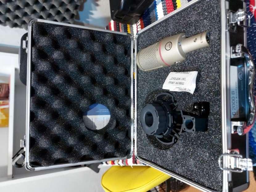 Micrófono de estudio AKG C2000 B - 1