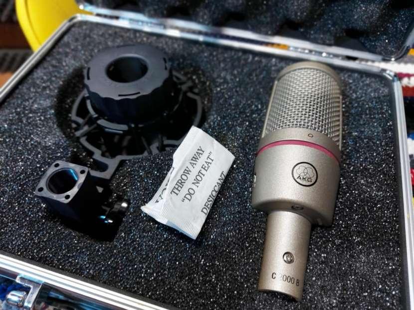 Micrófono de estudio AKG C2000 B - 2