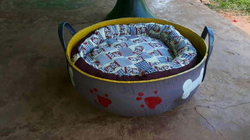 Cama para mascotas reciclada de cubierta - 3