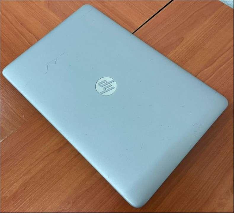 HP Elitebook 850 G4 i7 7600u 32gb ram Radeon 512gb NVMe - 8