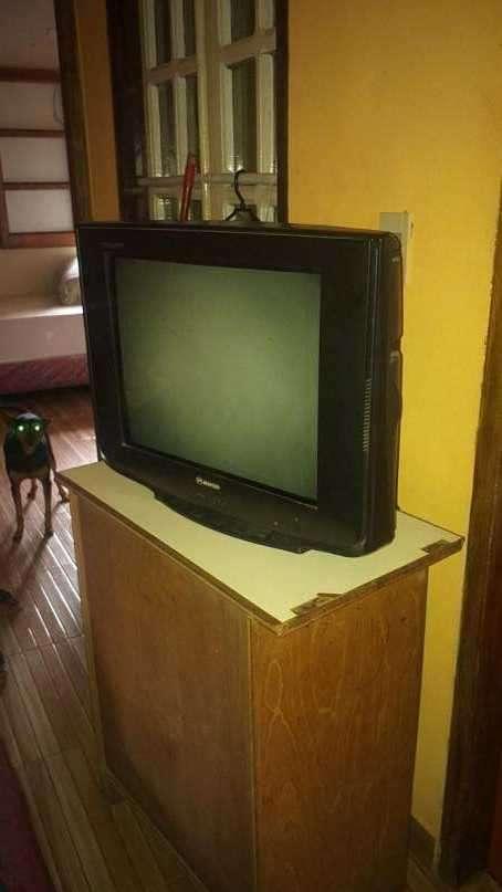 TV Slim Matsui de 21 pulgadas - 0