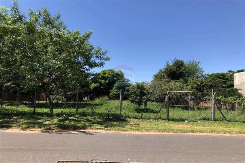 Terreno en San Lorenzo Laurelty de 720 m2 - 1