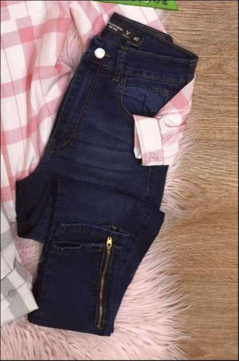 Jeans dela marca vertus talle 40 nuevo - 0