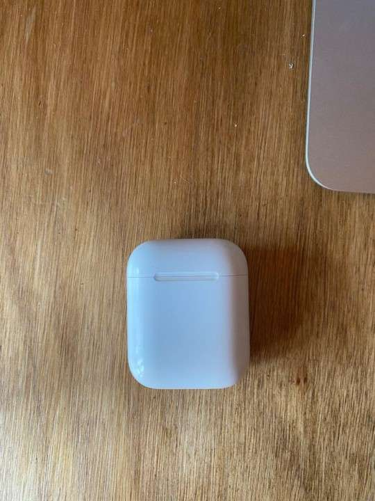 Apple AirPods 2 - 4