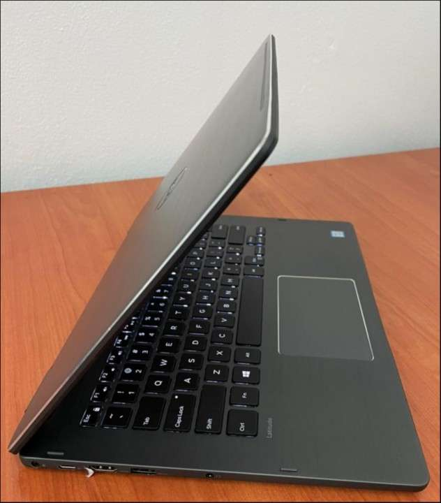 Dell 3379 i5 16GB SSD Touch Convertible 360 - 3