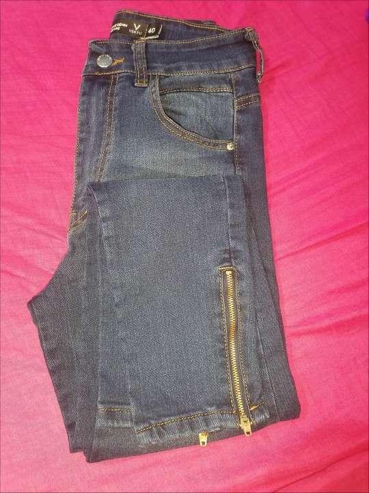 Jeans dela marca vertus talle 40 nuevo - 2