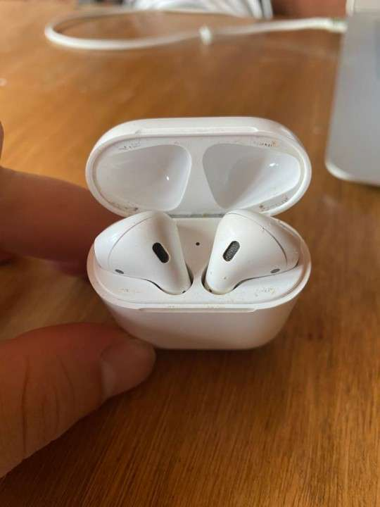 Apple AirPods 2 - 3