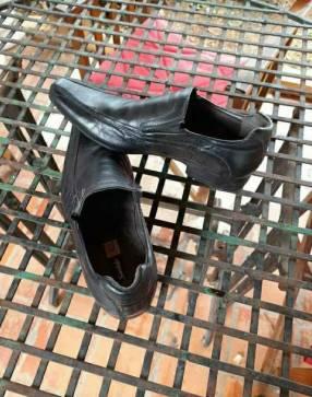 Zapato de vestir y alpargata