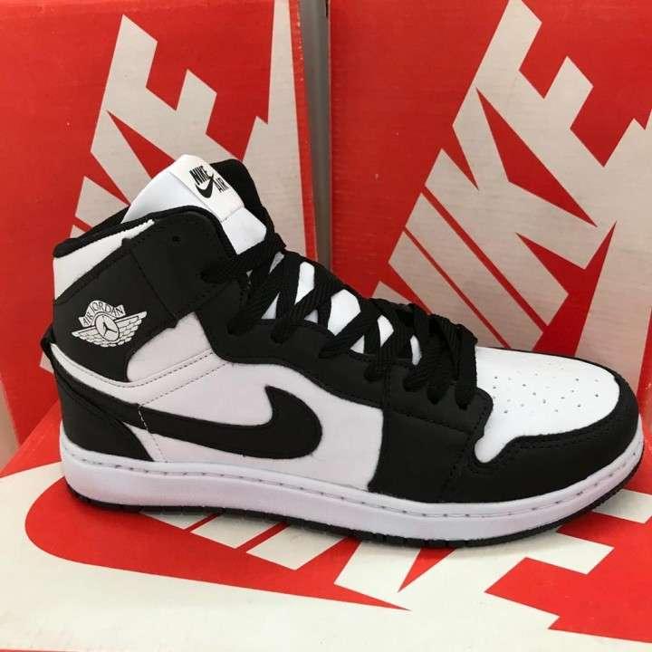 Calzados deportivos Nike - 0