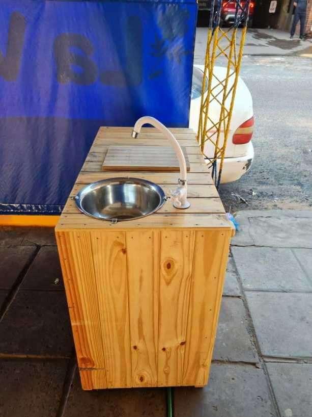 Mesa de pallet con lavatorio - 1