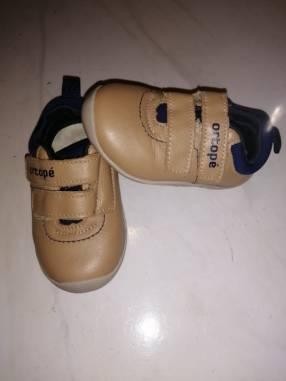 Zapato Ortopé calce 18
