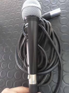 Micrófono Shure SV100 c/ cable banana