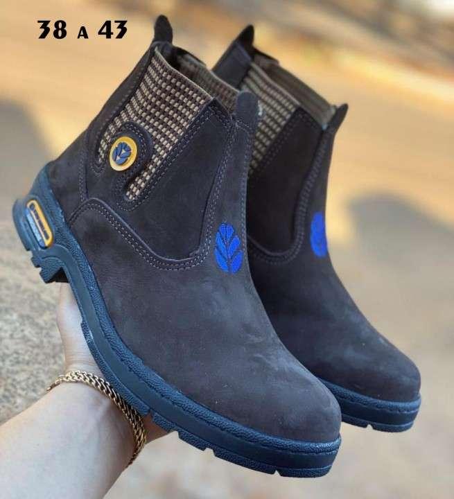 Botas para hombre - 0